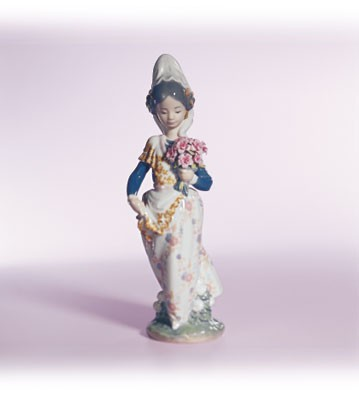 Retired Lladro Valencian Lady