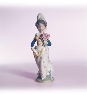 LladroValencian LadyPorcelain Figurine