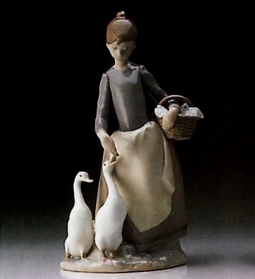 LladroOn the Farm 1974-89Porcelain Figurine