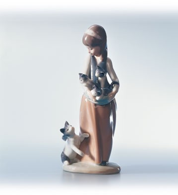 Lladro Girl With Cats Porcelain Figurine
