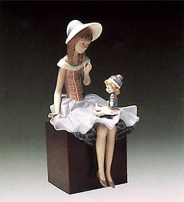 Lladro Suzy and Her Doll 1978-1985