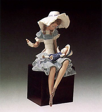 Lladro Cathy and Her Doll 1978-85 Porcelain Figurine