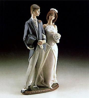 LladroMatrimony 1982-97Porcelain Figurine