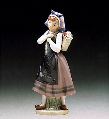 Lladro Natures Bounty 1982-97 Porcelain Figurine