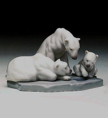 LladroBearly Love 1983-99Porcelain Figurine