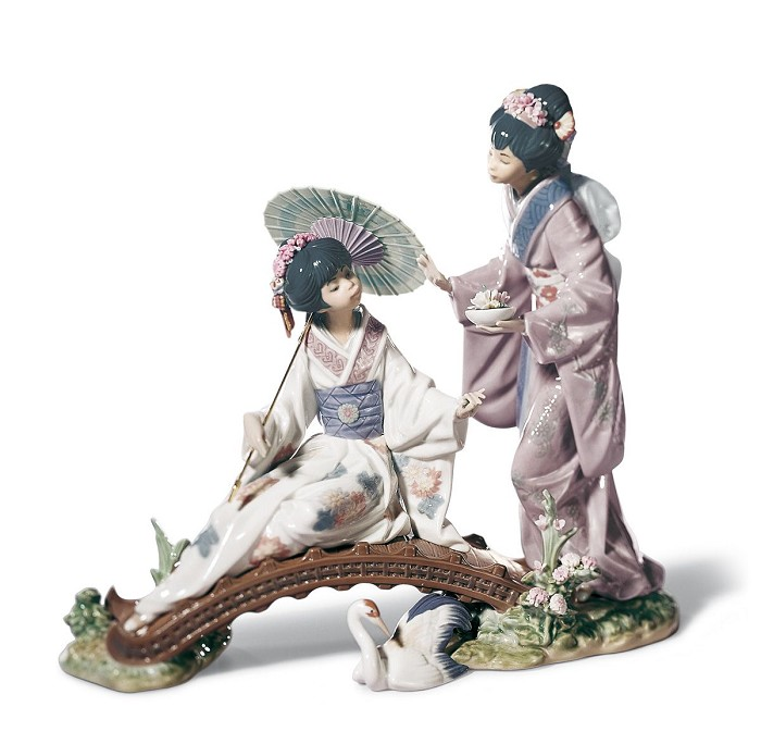 LladroSpringtime in Japan WomenPorcelain Figurine