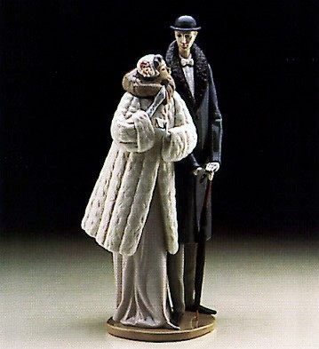 Lladro On The Town 1983-93 Porcelain Figurine