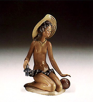 Lladro On The Beach 1985-88 Porcelain Figurine