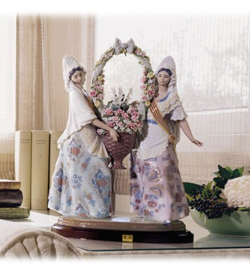 Retired Lladro Floral Offering (3000)