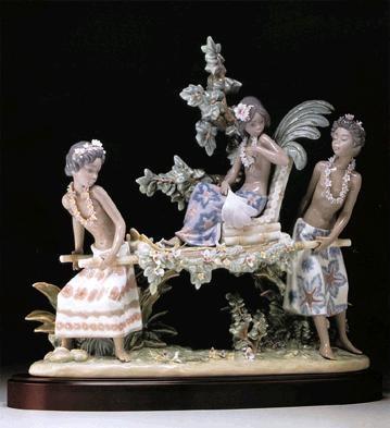 LladroHawaIIan Festival Le4000 1986-96Porcelain Figurine