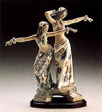 Lladro Tahitian / HawaIIan Dancing Girls 1986-95 Porcelain Figurine
