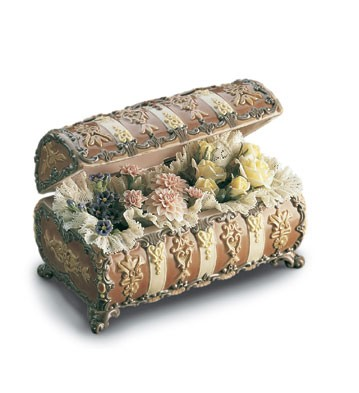 Lladro Flowers Chest