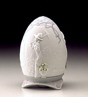 Lladro Parisian Afternoon 2000 Egg