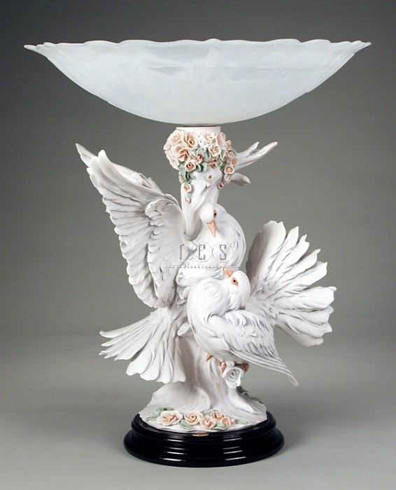 Giuseppe ArmaniThe Doves With Flowers Centerpiece