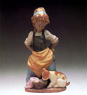 Lladro Kitchen-Maid With Dog 1978-93 Porcelain Figurine