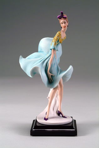 Giuseppe Armani Cheeky Breeze - 2007 Figurine Of The Year