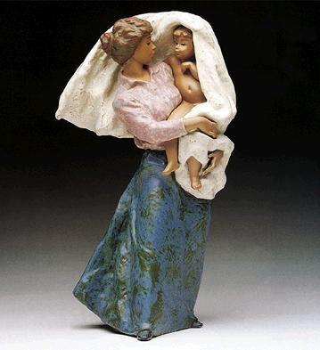 LladroMothers Pride 1990-99Porcelain Figurine