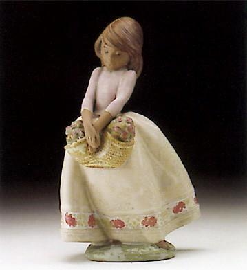 LladroMay Flowers 1994-99Porcelain Figurine