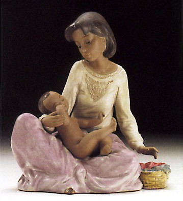 Lladro Dressing The Baby 1994-97 Porcelain Figurine