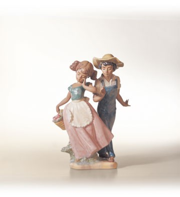 Lladro Love In Bloom 1995-02 Porcelain Figurine