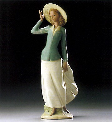 Lladro Breezy Afternoon 1995-99 Porcelain Figurine