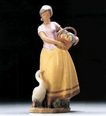 LladroDaily Chores 1995-99Porcelain Figurine