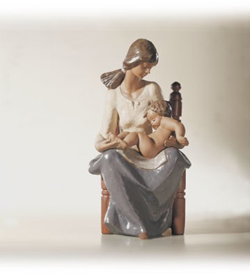 Lladro In Mothers Arms 2000-2002 Porcelain Figurine