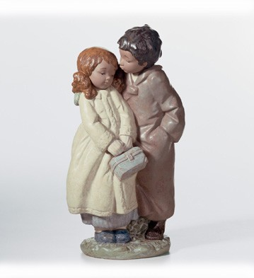Lladro A Moment Of Tenderness Porcelain Figurine