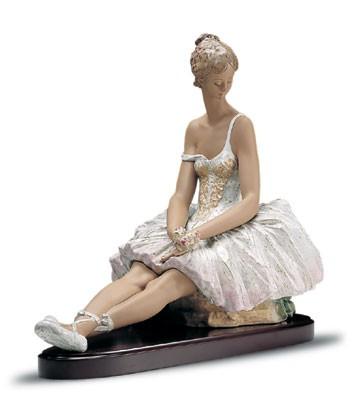 LladroIntermezzo Le1000 1999-2001Porcelain Figurine