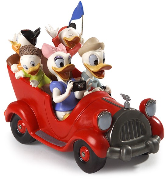 WDCC Disney Classics Disneyland Park Donald, Daisy And Donald Nephews Family Vacation