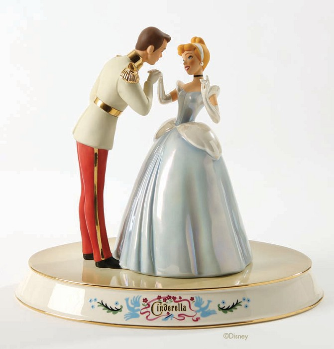 WDCC Disney Classics Cinderella And Prince Royal Introduction