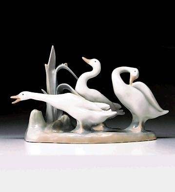 Lladro Geese Group 1969-96 Porcelain Figurine
