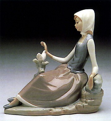 Lladro Shepherdess with Dove 1969-93 Porcelain Figurine