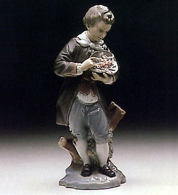 LladroDoncel With Roses 1971-79Porcelain Figurine