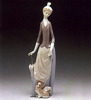 Lladro Woman With Dog 1971-93 Porcelain Figurine