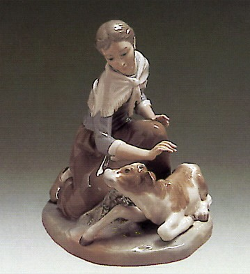 Lladro Caressing a Little Calf 1972-1981 Porcelain Figurine