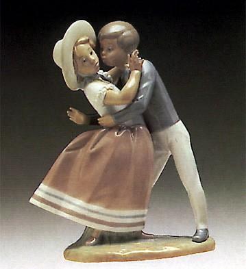 LladroWaltz Time 1974-85Porcelain Figurine