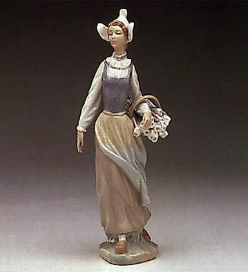 LladroDutch Girl 1974-85Porcelain Figurine