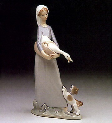 Lladro Girl With Goose And Dog 1974-93 Porcelain Figurine