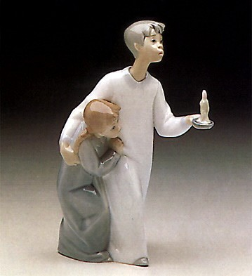 Lladro Boy & Girl 1974-97 Porcelain Figurine