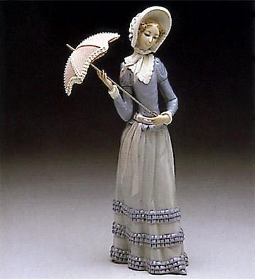 LladroAranjuez Little Lady 1974-96Porcelain Figurine