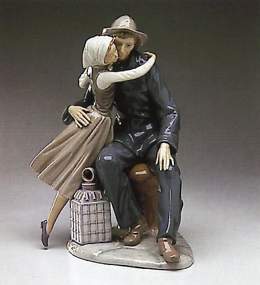 LladroThe Kiss 1974-83Porcelain Figurine