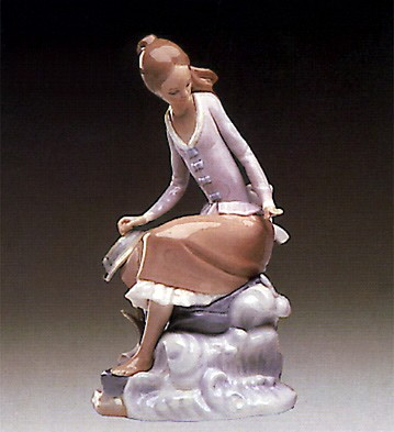 Lladro At The Seaside 1974-85 Porcelain Figurine