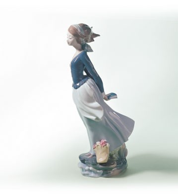 Lladro Sea Breeze 1974-02 Porcelain Figurine