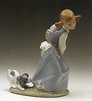 Lladro Naughty Dog 1978-95 Porcelain Figurine