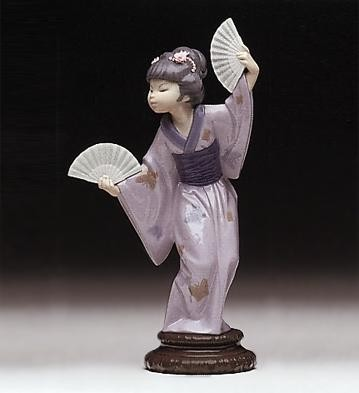 Lladro Madame Butterfly 1978-98 Porcelain Figurine