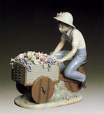 LladroBoy Flower Peddler 1979-85Porcelain Figurine