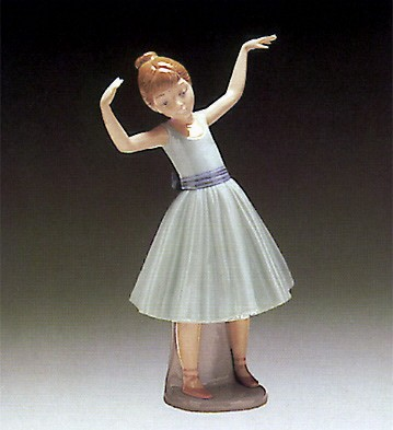 LladroBallet First StepPorcelain Figurine