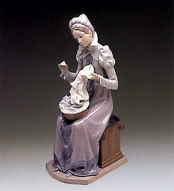 Lladro Medieval Lady Embroiderer 1982-89