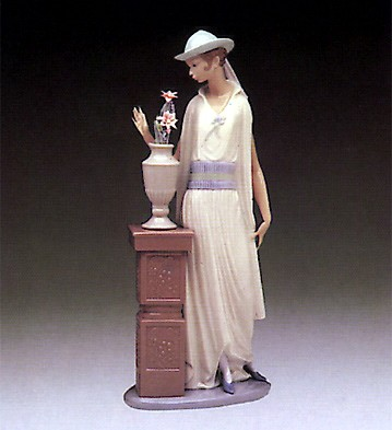 Lladro Grand Casino Flapper 1982-95 Porcelain Figurine